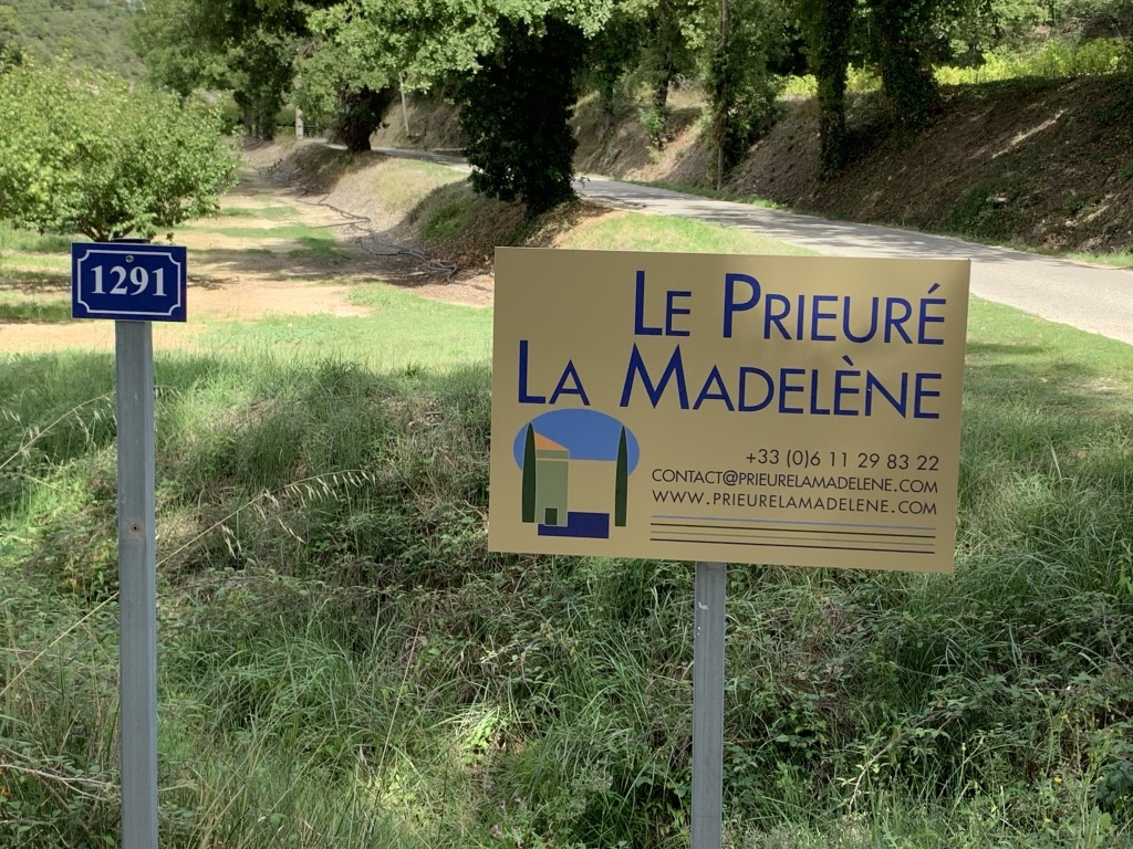Access To Le Prieuré La Madeleène